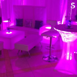 white sofas chairs and tables available in vip lounge furniture rental for sweet sixteen dj parties, bat mizvahs, and quinceaneras