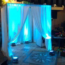 enclosed photo booth rental with glow feature